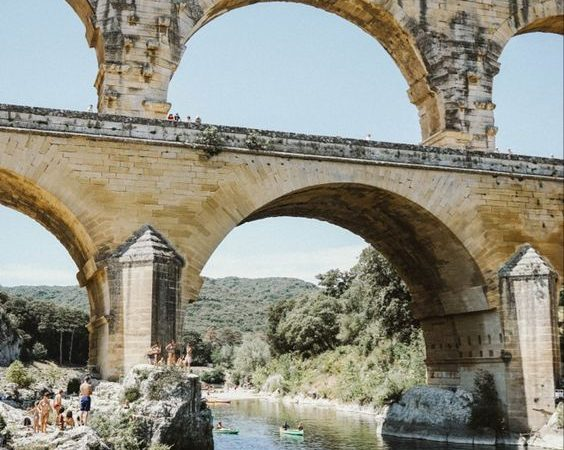 Canoe au Pont du Gard